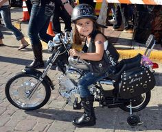Omg... that's totally my Gigi , daredevil, spontaneous like her Daddy, super Adorable °°°♡