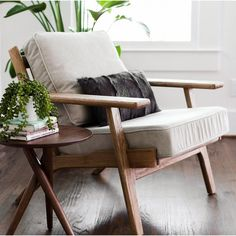 Modern Chairs Design Awesome - Accent Chairs For Living Room Transitional - Swivel Chairs Camper - Tufted Dining Chairs Videos Modern - Living Room Chairs, Lounge Chairs Living Room, Furniture, Living Room Diy, Living Room Designs, Home Furniture, Living Room Seating, Home Decor, Linen Club Chairs
