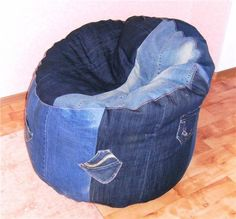 Diy Bean Bag, Denim Crafts, Old Jeans, Bean Bag Chair, Bedroom Decor, Sewing, Projects, Blue, Furniture