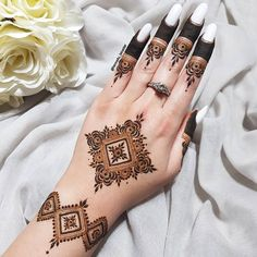 Very Simple Mehndi Designs, Floral Henna Designs, Henna Tattoo Designs Simple, Finger Henna Designs, Mehndi Designs 2018, Mehndi Designs For Beginners, Mehndi Designs For Girls, Pretty Henna Designs, Henna Designs Easy