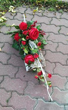 Funeral Flower Arrangements, Funeral Flowers, Floral Arrangements, Fall Home Decor, Autumn Home, Christmas Wreaths, Christmas Crafts, Flower Decorations, Table Decorations
