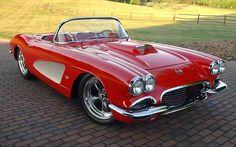 American Muscle Cars… 1961 Chevrolet Corvette