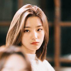 Kpop Short Hair, Kpop Hair, Girl Short Hair, Short Girls, Brave Girl, Uzzlang Girl, Fandom, Cute Korean, Beautiful Asian Girls