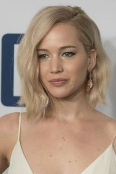 These 20 hairstyles for short hair are so cute and fun, they'll have you running to your stylist. Jennifer Lawrence's hair is so cute in this cut!