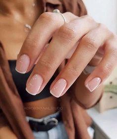 Nageldesign - Nail Art - Nagellack - Nail Polish - Nailart - Nails yes or no? Neutral Nails, Nude Nails, French Manicure Nails, Coffin Nails, Glitter Nails, Manicure Ideas, Pedicure, Short Nail Manicure, French Manicure Designs