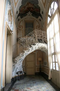 Palazzo Biscari in Catania, Sicilia. great use of space for a staircase.
