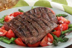 Recipes For Breastfeeding Moms - Flank Steak And Asparagus Salad Good Healthy Recipes, Easy Dinner Recipes, Diet Recipes, Atkins Recipes, Food For Breastfeeding Moms, Stew And Dumplings, Asparagus Salad, Baby Boy, Rind