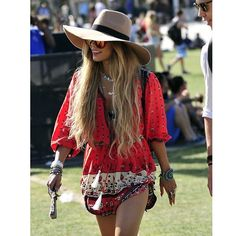 """Hair crush!! ❤️ Vanessa Hudgens in Coachella 2014. #inspiration #coachella"" Photo taken by @instablonde on Instagram, pinned via the InstaPin iOS App! http://www.instapinapp.com (04/06/2015)"