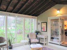 3 season room - roll down blinds for privacy Outdoor Rooms, Outdoor Living, Sunroom Ideas, Porch Ideas, Patio Ideas, Four Seasons Room, Three Season Porch, Cozy Basement, Three Season Room