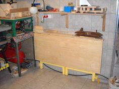 Richards workshop and projects Shop Work Bench, Folding Desk, Woodworking, Workshop Ideas, Projects, Tools, Desktop, Fold Away Desk, Log Projects