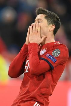 Official UEFA Champions League and European Cup history. World Football, Football Team, Soccer Boyfriend, Sport Model, Liverpool Live, Messi And Ronaldo, Fc Bayern Munich, Robert Lewandowski, Europa League