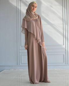 Не секрет, что девушки  наиболее придирчивы к выбору гардероба. Это продиктовано не только стремлением красиво выглядеть. Удачно…