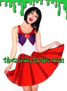SAILOR MARS SKATER DRESS  Vestido del personaje Sailor Mars. Impresión digital. Ceñido, sin mangas y con falda de vuelo. Colores del uniforme: body blanco, cuello rojo, lazo frontal morado, falda roja, lazo trasero rojo. Materiales: polyester y spandex (el tejido es elástico y brillante, similar al de los leggings).  COLOR: ROJO TALLA: ÚNICA  ÚNICA - vale para tallas 36 a 42, hasta 95 cm pecho aprox