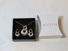 Ladies Womens Avon Two-Tone Circle Necklace & Earrings Gift Set F3433881 NIP;; #Avon