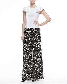 -5GCM Carolina Herrera Ruffled Cap-Sleeve Poplin Blouse & Daisy-Print Wide-Leg Pants