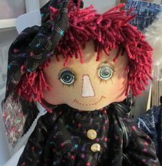I love the face on this doll!!  SympleTymes Cloth Art By Sherrie Nordgren