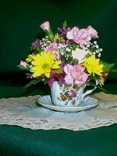 Tea cup arrangement | Inexpensive Floral Ideas