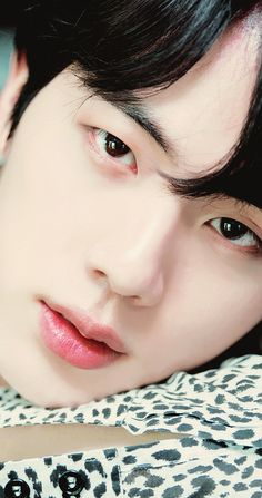 #JIN my worldwide handsome forever 😍😘😙