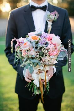 Gorgeous textured bouquet | CHECK OUT MORE IDEAS AT WEDDINGPINS.NET | #weddings #weddingflowers #weddingbouquets #bouquets