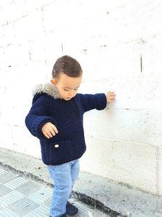 abrigo-de-punto-15 Baby Knitting Patterns, Knitting For Kids, Crochet For Kids, Baby Patterns, Knit Crochet, Winter Is Comming, Crochet For Beginners, Baby Girl Dresses, Needlework