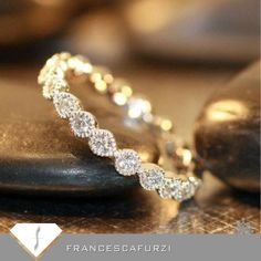 Francesca uses a #ringsize calculator, defines standard sizes regarding inner circumference. Visit us http://www.francescafurzi.com/sizes.php