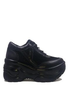 flare, classic black chunky sneaker look with a mild platform by YRU. Black PU upper Black Mesh details Molded Outsole platform bottom Round waxed cotton laces Tri-blend cotton/nylon padded lining Shoes Boots Combat, Shoe Boots, Sneakers Looks, All Black Sneakers, Men Sneakers, Emo Shoes, Buffalo Shoes, Creeper Boots, Handbag Stores