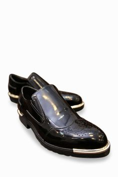 Vintage Brogue Patent Shoes In Black. Free 3-7 days expedited shipping to U.S. Free first class word wide shipping. Customer service: help@moooh.net