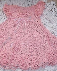 Dresses - Crochet Patterns for Baby Tons of cute dress patterns - Advanced level. Thread Crochet, Crochet Crafts, Crochet Stitches, Crochet Projects, Knit Crochet, Baby Girl Crochet, Crochet Baby Clothes, Crochet For Kids, Crochet Dresses