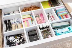 Bedroom Desk Organization Diy Organisation 30 Ideas For 2019 Organisation Hacks, Office Cubicle Organization, Office Drawer Organization, Diy Drawer Organizer, Bedroom Organization, Organizing Drawers, Makeup Organization, Cubicle Ideas, Work Cubicle
