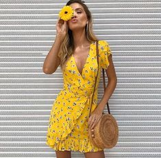 New beautiful V neck yellow summer floral ruffle mini wrap dress short sleeve - Spring & summer outfits - Wrap Dress Outfit, Summer Dress Outfits, Short Summer Dresses, Yellow Dress Outfits, Short Casual Dresses, Spring Dresses, Dress Shoes, Shoes Heels, Elegant Dresses