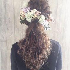 . . @igloo_erika さんアレンジ ポニー可愛い✨✨ . パステルカラーのお花が春らしくて . . . #ふわふわ#波ウェーブ#ブライダルヘア#ヘアアレンジ #ナチュラルウェディング#ガーデンウェディング #花#flowers #結婚式 #wedding#ウェディング  #前撮り#フォトウェディング#プレ花嫁#ヘアアクセサリー #フラワーアレンジメント#flowerarrangement #花冠 #ヘッドドレス#ドライフラワー #dryflower#プリザーブドフラワー #アーティフィシャルフラワー#オーダー #花束#ブーケ#bouquet#ボタニカル#botanical