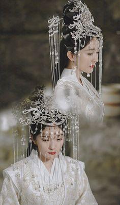 Traditional Fashion, Traditional Dresses, Eternal Love Drama, Geisha Art, Peach Blossoms, Orient, Fantasy Jewelry, Hanfu, Beautiful Asian Girls