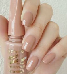 Here's what you can do or advise to ensure your clients have perfect nails. Nail Paint Shades, Manicure Y Pedicure, Neutral Nails, Best Acrylic Nails, Dream Nails, Nagel Gel, Stylish Nails, Perfect Nails, Nail Polish Colors