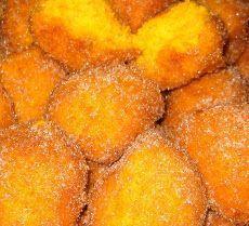 Receitas de Doces de Natal: Sonhos de Cenoura Beignets, Christmas Party Food, How To Make Toys, Snack Recipes, Snacks, Portuguese, Sweet Potato, Bacon, Good Food