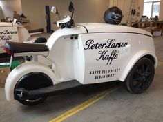 Original coffee shop on a motorbike Food Truck, Bicycle Cart, Electric Cargo Bike, Mobile Coffee Shop, Bike Food, Hot Dog Stand, Coffee Carts, Pedal Cars, Go Kart