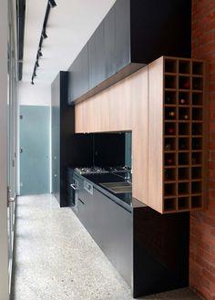 cocina con botellero - Construcción en seco: ideas para reformar tu cocina sin hacer obras