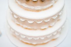lace wedding cake that matches dress