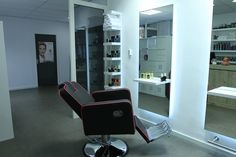 Holland barber Chair. Salon Ideas from Ayala salon furniture. Modern salon design. Barbershop idea
