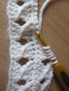 Crochet how to crochet doily part 1 crochet doily rug tuto Crochet Doily Rug, Crochet Coat, Crochet Stitches, Crochet Baby Booties Tutorial, Tutorial Crochet, Crochet Freetress, Knitting Patterns, Crochet Patterns, Fingerless Gloves Crochet Pattern