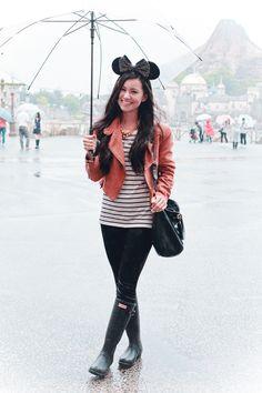 Ellen Kaminagakura - Marc By Jacobs Bag, Hunter Rain Boots - Tokyo Disney Sea Disneyland Outfits, Vacation Outfits, Disney Outfits, Disneyland Tips, Disney Clothes, Winter Outfits, Rain Boots Fashion, Tokyo Disney Sea, Hunter Rain Boots