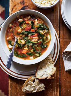 This recipe for slow cooker vegetable soup is your new favourite comfort food recipe for those cold winter days! Kitchen Recipes, Gourmet Recipes, Healthy Recipes, Soup Recipes, Vegetarian Recipes, Healthy Food, Slow Cooker Soup, Slow Cooker Recipes, Vegetable Soup Crock Pot
