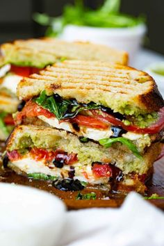 ) – Oh Sweet Basil This grilled caprese sandwich with a balsamic glaze is pack with fresh flavors of summer. Grill Sandwich, Caprese Sandwich Recipe, Caprese Panini, Easy Sandwich Recipes, Panini Recipes, Veggie Sandwich, Vegetarian Sandwiches, Healthy Sandwiches, Sandwiches For Lunch
