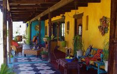 Home Decor Living Room Hacienda Linda. A beautiful haven in the desert!Home Decor Living Room Hacienda Linda. A beautiful haven in the desert! Mexican Patio, Mexican Garden, Mexican Home Decor, Mexican Decorations, Mexican Hacienda Decor, Mexican Courtyard, Mexican Style Homes, Southwest Decor, Southwest Style