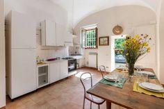 Casa Studio Arte - Wohnungen zur Miete in Montespertoli, Toskana, Italien Hotel Airbnb, Studio, Kitchen, Room, Home Decor, Tuscany Italy, Apartments, Travel Advice, Ad Home