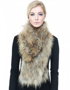 2015 Fashion Trend Forecast for Fall & Winter ... thick-fur-scarf └▶ └▶ http://www.pouted.com/?p=36462