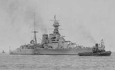 HMS Hood, one of the most beautiful Warship ever built. Military Life, Military Art, Hms Hood, Isle Of Bute, Capital Ship, Big Guns, Navy Ships, Power Boats, Submarines