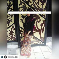 From: http://batik.larisin.com/post/144918787131/repost-rismark23-with-repostapp-from