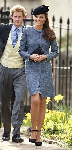 Pin for Later: Kate Middleton Didn't Wear a Single Bad Outfit This Year Kate Middleton Wore a Blue M Missoni Tweed Coat While Celebrating a Friend's Wedding Looks Kate Middleton, Estilo Kate Middleton, Kate Middleton Outfits, Wedding Guest Style Inspiration, Princesse Kate Middleton, M Missoni, Pantyhosed Legs, Princesa Real, Wedding Guest Looks