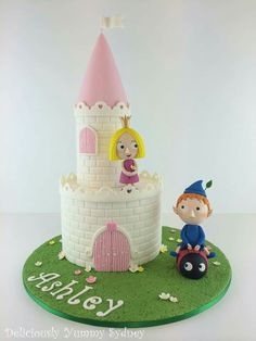 Ben and hollys little Kingdom cake Ben And Holly Party Ideas, Ben And Holly Cake, Third Birthday, Themed Cakes, Beautiful Cakes, No Bake Cake, Cake Designs, Gingerbread, Cake Decorating