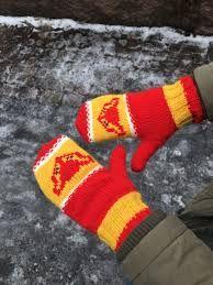 Gloves, Socks, Winter, Diy, Facebook, Patterns, Winter Time, Block Prints, Bricolage